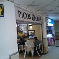 Photo taken at Picos Café Unisur by Manolo N. on 8/12/2012