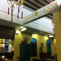 Photo taken at Phuket Town Restaurant by NamWharn N. on 5/25/2012