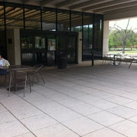 Foto tirada no(a) Moody Memorial Library por Baylor University Libraries em 4/4/2012