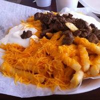 Foto tomada en California Burrito Express por Renee el 8/4/2012