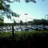Photo taken at Hersheypark's Drop Off/ Pick Up Zone by Cindi C. on 7/3/2012