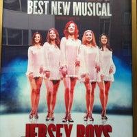 8/9/2012 tarihinde Luis d.ziyaretçi tarafından Prince Edward Theatre'de çekilen fotoğraf