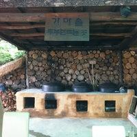 Photo taken at 쥐눈이콩마을 by Jihee K. on 8/26/2012