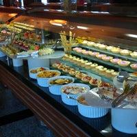 6/25/2012 tarihinde Johon T.ziyaretçi tarafından Turquoise Restaurant'de çekilen fotoğraf