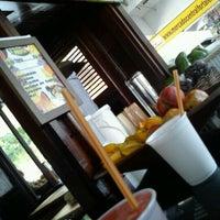 Foto tirada no(a) Kioske Frutas Da Fruta Mercadao por Marcia M. em 2/9/2012