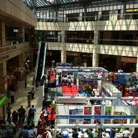 Foto scattata a Suntec City Mall da Miggy S. il 4/20/2012