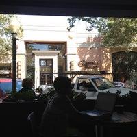 Photo taken at Starbucks by Yuri R. on 7/13/2012