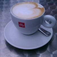 Photo taken at Illy Caffè by Duy N. on 6/19/2012
