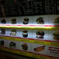 Photo taken at Great Burger @ Hijau by Steven Lee on 9/7/2012