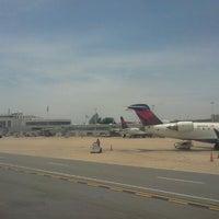 รูปภาพถ่ายที่ Terminal C โดย Chad M. เมื่อ 6/11/2012