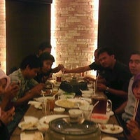 Photo taken at Makassar Suki Cafe and Resto by adhi p. on 2/27/2012