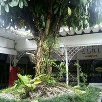 Photo taken at Super Centro Comercial Boqueirão by Jessica F. on 3/23/2012