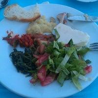 6/10/2012 tarihinde Canan S.ziyaretçi tarafından Koço Meyhane'de çekilen fotoğraf