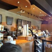 Foto scattata a Starbucks da George A. il 4/19/2012