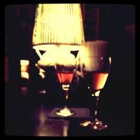 Das Foto wurde bei Doblo Wine & Bar von Henrietta G. am 8/30/2012 aufgenommen