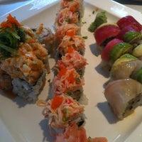 Photo taken at Domo Japanese Restaurant & Sushi Bar by Glenn F. on 4/24/2012