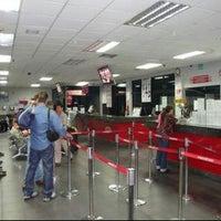 Photo taken at Aeroexpresos Ejecutivos Maturin by Rosalba G. on 4/9/2012