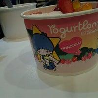 Foto scattata a Yogurtland da Anastasia K. il 9/11/2012
