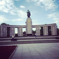 5/4/2012 tarihinde Maria B.ziyaretçi tarafından Sowjetisches Ehrenmal Tiergarten'de çekilen fotoğraf