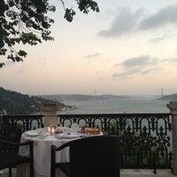7/25/2012 tarihinde Alper T.ziyaretçi tarafından Borsa Restaurant'de çekilen fotoğraf