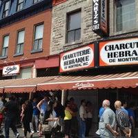 Photo taken at Schwartz's Montreal Hebrew Delicatessen by Jorge Luis on 5/27/2012