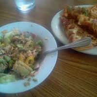 8/16/2012にKevin D.がPizza Hutで撮った写真