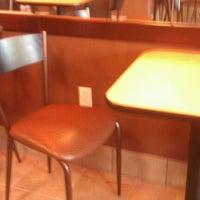 Photo taken at Dunkin' Donuts by Joellen V. on 8/30/2011