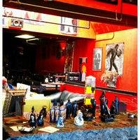 รูปภาพถ่ายที่ 3 Kings Tavern โดย priscilla p. เมื่อ 11/12/2011