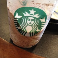 Photo taken at Starbucks by 🎀 Wiraporn J. on 5/7/2012