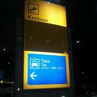 Photo taken at Arrival Hall (Terminal 2) by Asmadi B. on 12/19/2011