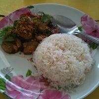 Photo taken at เจ้าท่า JaoTha Delivery by Nopphorn D. on 2/4/2011