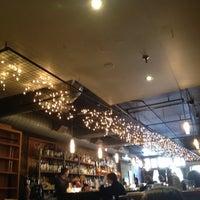 Das Foto wurde bei Insomnia Restaurant and Lounge von Liying T. am 4/7/2012 aufgenommen