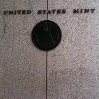 Das Foto wurde bei United States Mint von Julie W. am 3/9/2011 aufgenommen