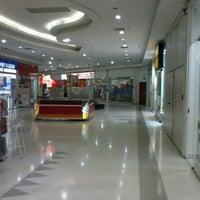 Photo taken at Shopping Jaraguá by Ronan C. F. on 9/5/2012