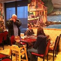 Das Foto wurde bei Tony's Pizza & Pasta von Jordan H. am 3/10/2012 aufgenommen