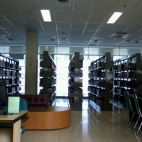 Photo taken at Perpustakaan Mandiri Universitas Al Azhar Indonesia by El Jasmine J. on 2/27/2012