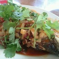 Photo taken at Restoran Nur Muhibbah Thai Food by Ariel S. on 11/16/2011