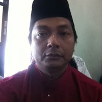 Photo taken at Surau Al-Madani Jalan 3 by 🅰zmie🅰skme on 9/4/2011