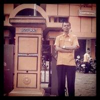 Photo taken at Kantor Pos Ujung Berung by Mas T. on 4/20/2012