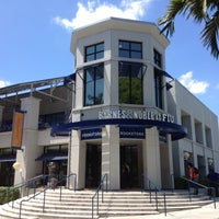 Photo taken at Florida International University by Kelvin Z. on 4/25/2012