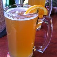 Foto diambil di Sidetrack Bar & Grill oleh Mike B. pada 3/27/2012