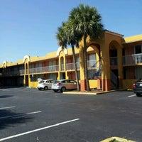 Photo taken at Days Inn Orlando International Drive by Juan Pablo A. on 4/4/2012