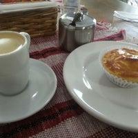 Foto tirada no(a) Café Cremoso por Bruno D. em 9/5/2012