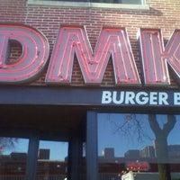 Photo prise au DMK Burger Bar par Chad C. le1/10/2012