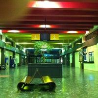 Foto tomada en Estación de Autobuses de Santiago por Jhonn G. el 8/18/2012