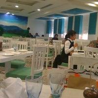 Photo taken at Fresc Co Restaurante by Vidhi A. on 1/29/2011