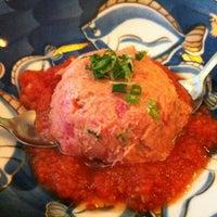 Foto tomada en Tomoe Sushi por Nilo A. el 3/15/2012