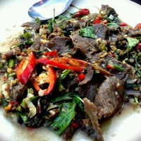 รูปภาพถ่ายที่ Pak Klong Seafood restaurant   ปากคลองซีฟู๊ด โดย เทวดาไร้ปีก L. เมื่อ 3/7/2011