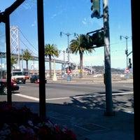 Foto tirada no(a) Delancey Street Restaurant por Dennis K. em 11/1/2011