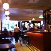 Das Foto wurde bei Café Esplanad von Tapio H. am 2/13/2012 aufgenommen